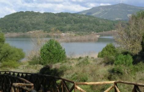 Baratz, vista di uno dei sentieri di accesso al lago
