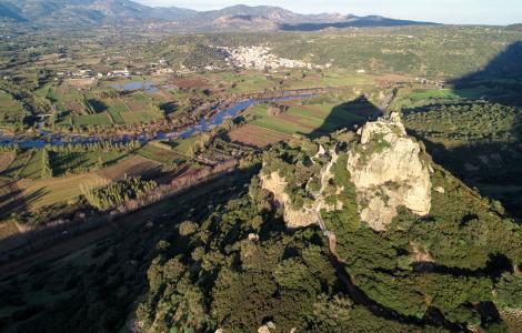 [FOTO M. CARA] Panoramica sul Castello di Pontes, alle falde del Tuttavista