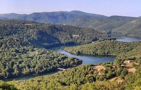 Lago di Gusana, visto da Lodine (foto Alessio Saba)