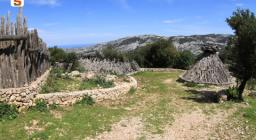 Sentiero presso or murales, Silana, Urzulei