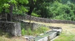 Monte Minerva - Antichi abbeveratoi nel percorso verso il Roseto