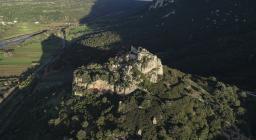 [FOTO M. CARA] Falde del Monte Tuttavista, Castello di Pontes
