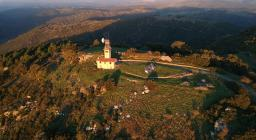 Modighina panoramica drone (foto da Visit Asuni)