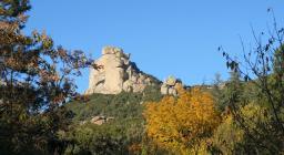 Foliage a Settefratelli, in primo piano Perda Sub'e Pari (foto R.Melis)