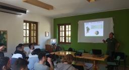 Studenti di Palermo in visita alle foreste sarde - nuraghe