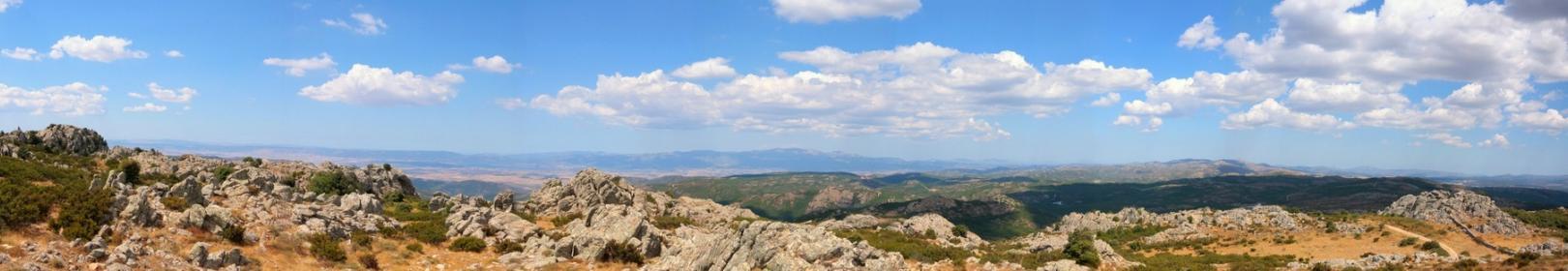 Panoramica monte Lerno (archivio horus, Ente Foreste)